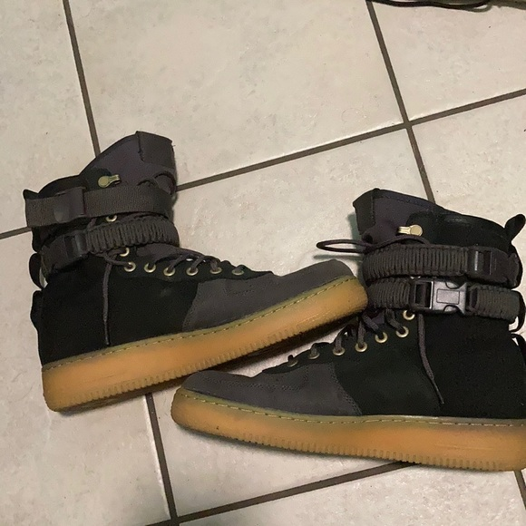 Nike Air Force 1 SF Premium black